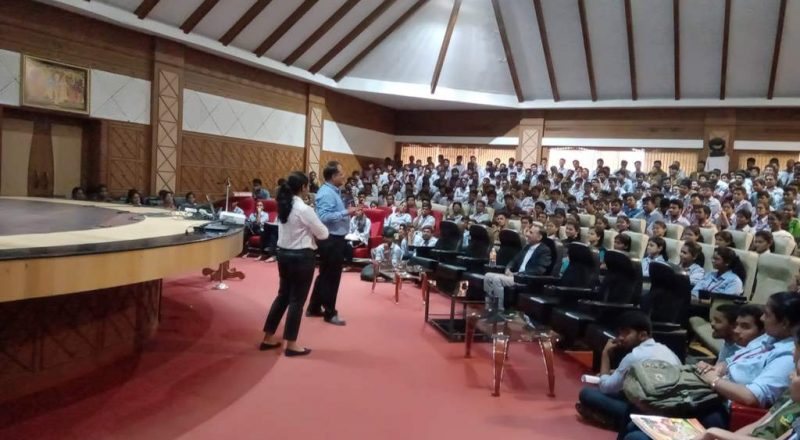 Cognizant Team Interacting with students 1